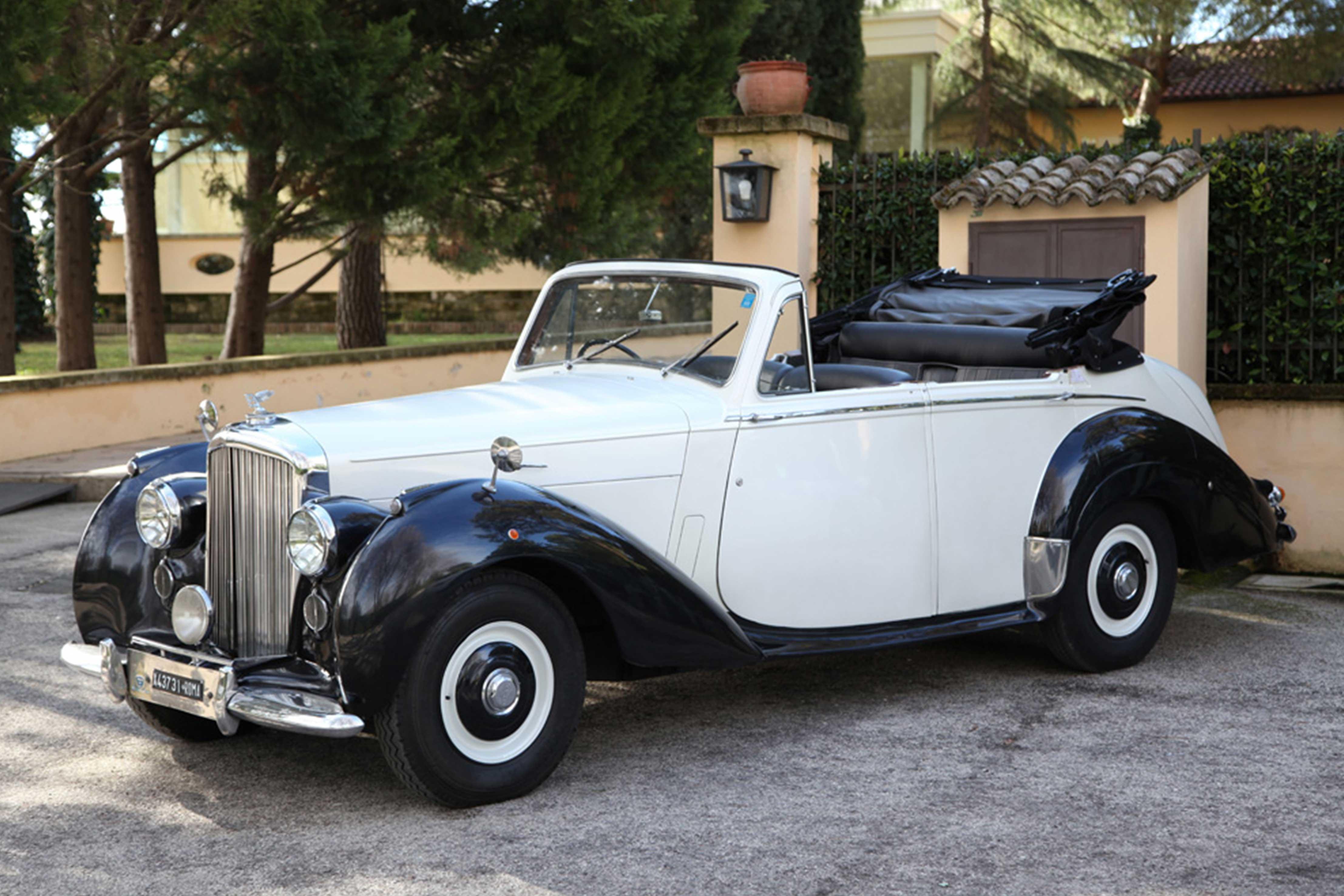 Bentley R Type a noleggio per cerimonie e matrimoni