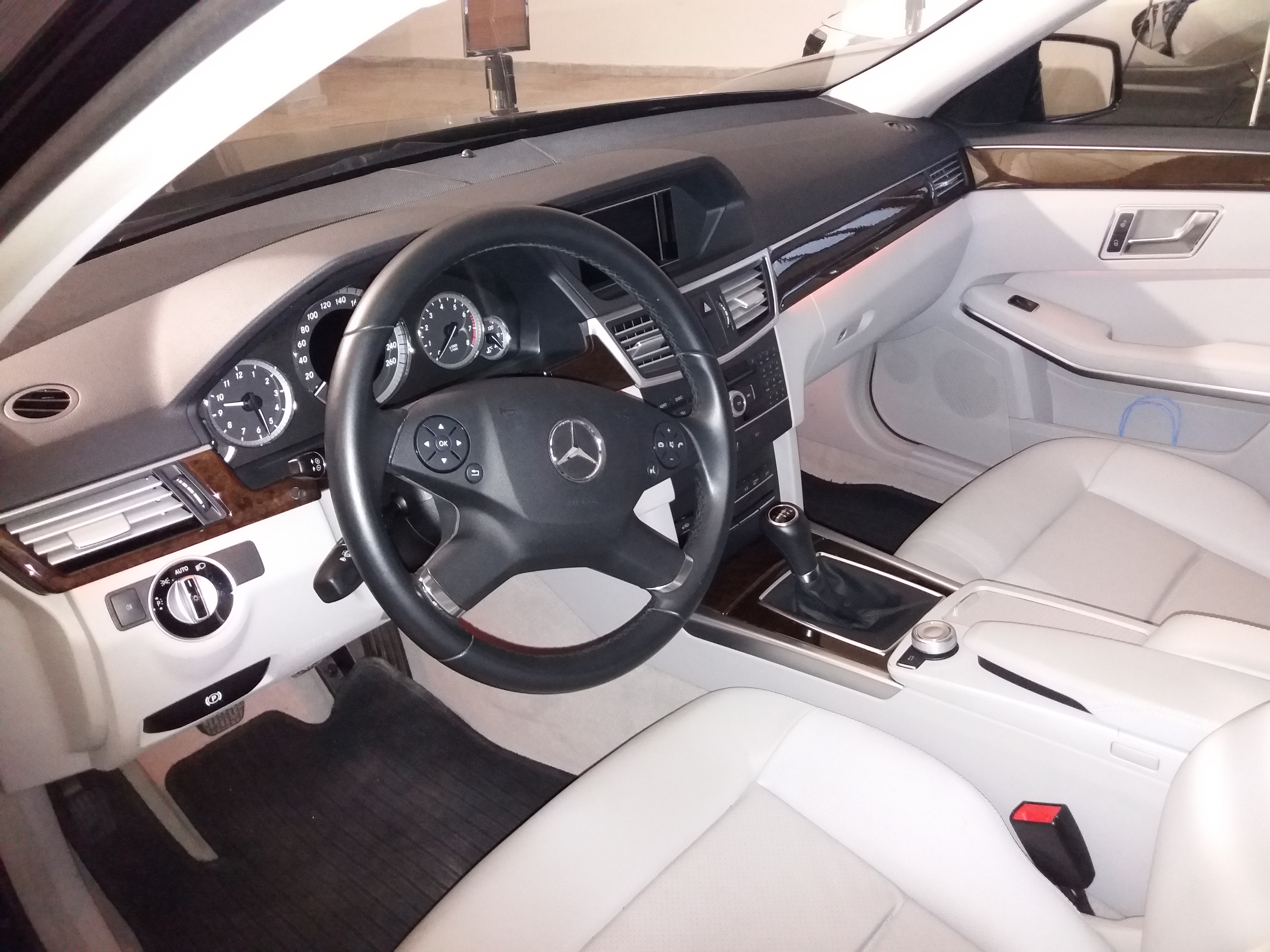Noleggio Mercedes - foto interno 2
