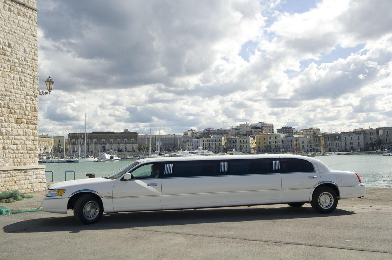 Noleggio limousine Lincoln eventi speciali