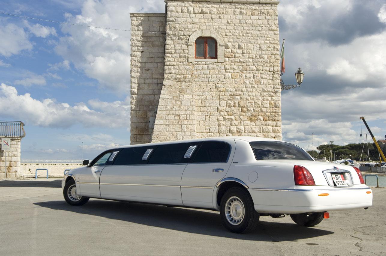 Noleggio limousine Lincoln occasioni speciali