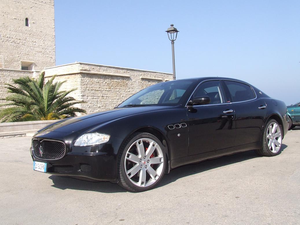 Noleggio Maserati per eventi - Sinistra