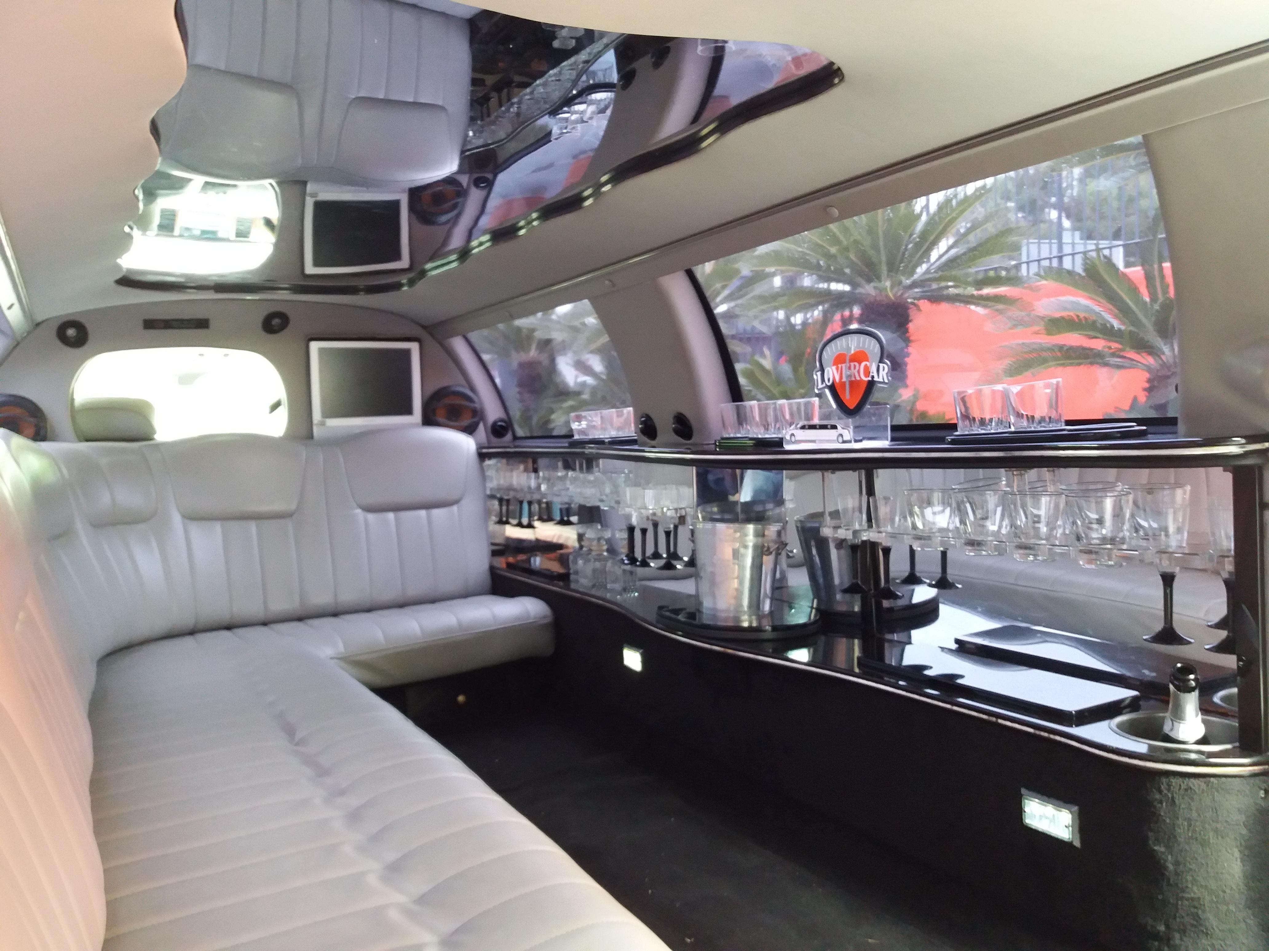 Noleggio limousine con autista